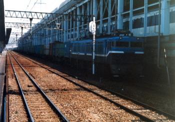 198803xx-博多駅02.JPG