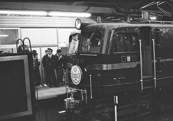 04_19881223_EF58_OE88_大宮駅.jpg